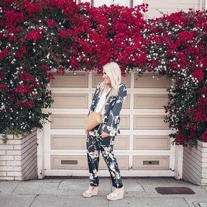 [Forever 21] satin floral patch pocket shirt